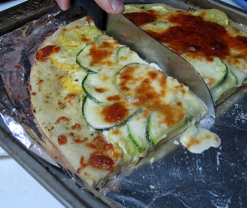 cheesy zucchini squash pizza