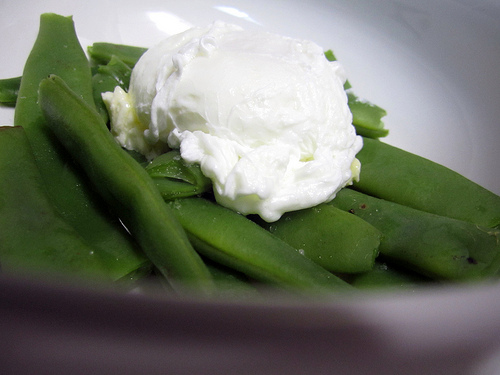 green beans and poached egg