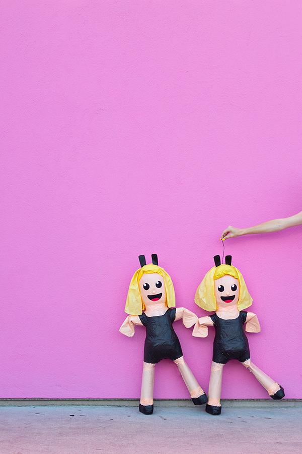 DIY-Dancing-Girls-Emoji-Pinata1